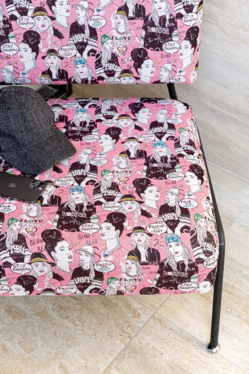 close-up BlaBla pink stoeltje