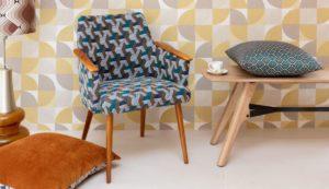 Jacquardstof Boomerang Azur stoel en Palais kussen meubelstof gordijnstof decoratiestof interieurstof